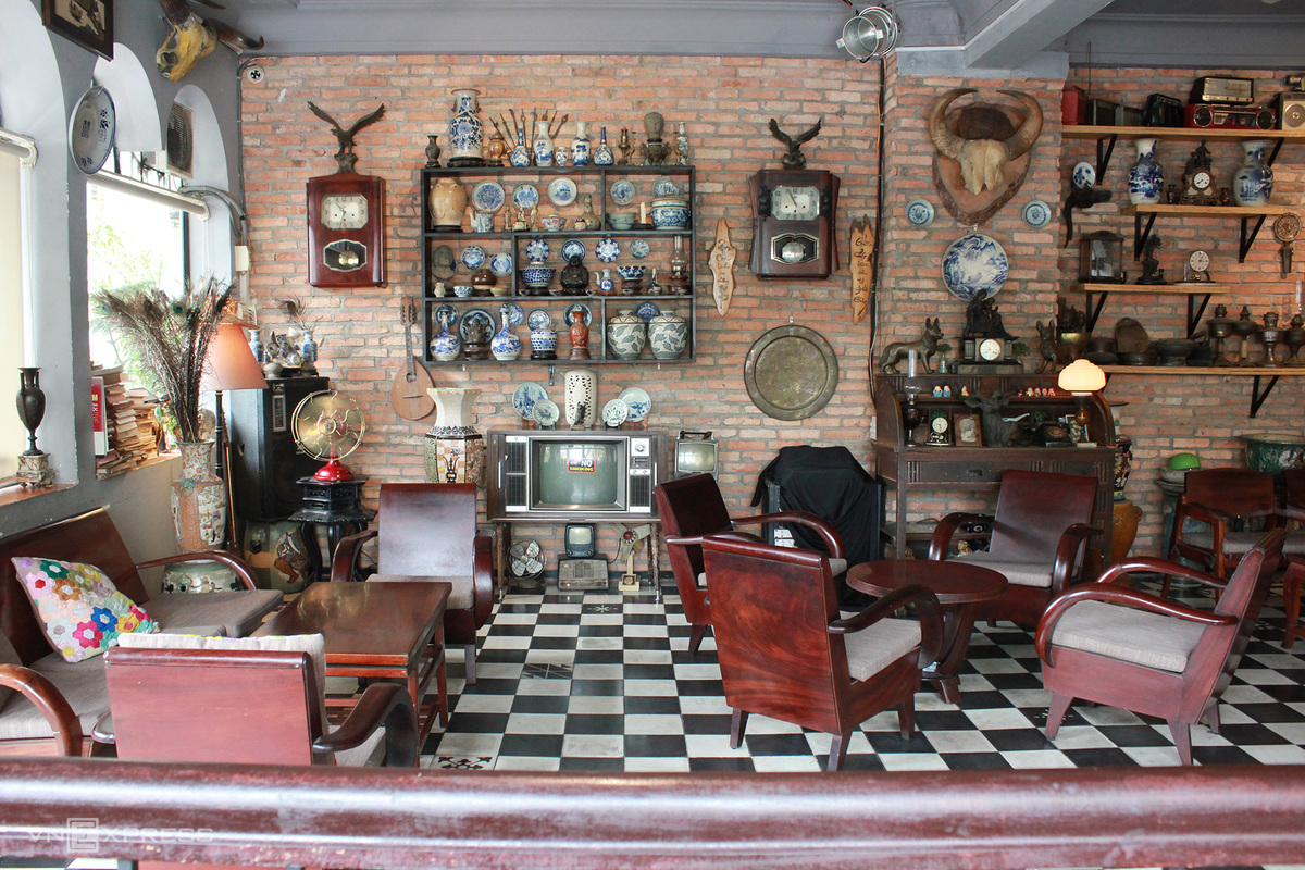 Video: Back in time at coffee shop in Vietnam's southern metropolis