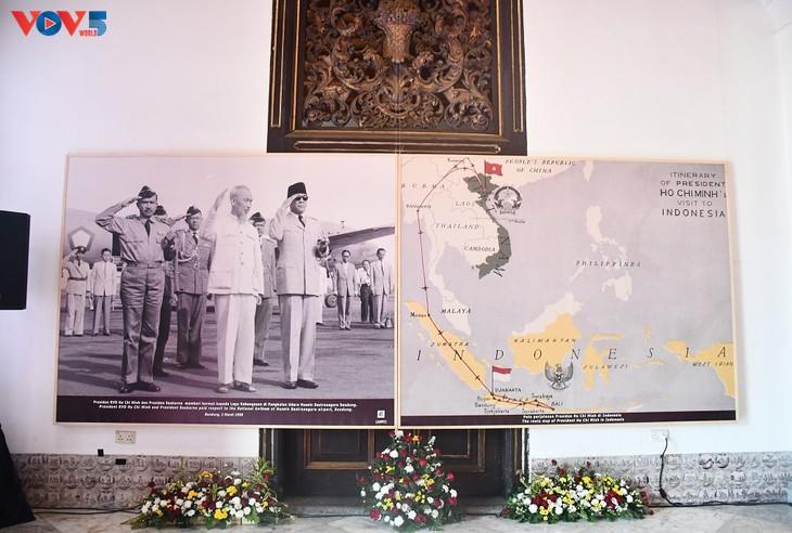 Photo exhibition celebrates 65th anniversary of Vietnam-Indonesia diplomatic ties