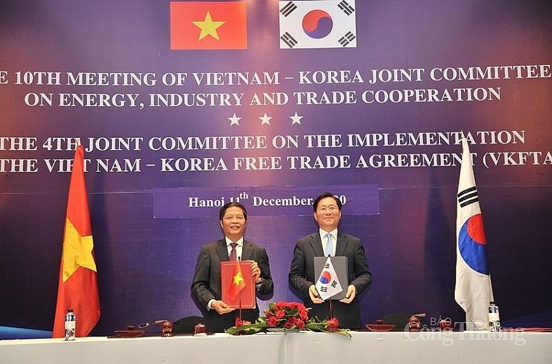 Vietnam, RoK sign deal on origin cumulation of garment and textile