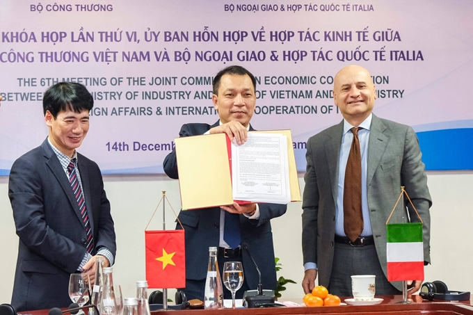 vietnam italy foster bilateral economic cooperation
