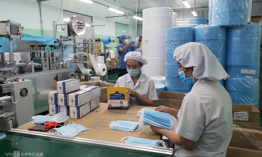 vietnams mask exports continue to surging in november