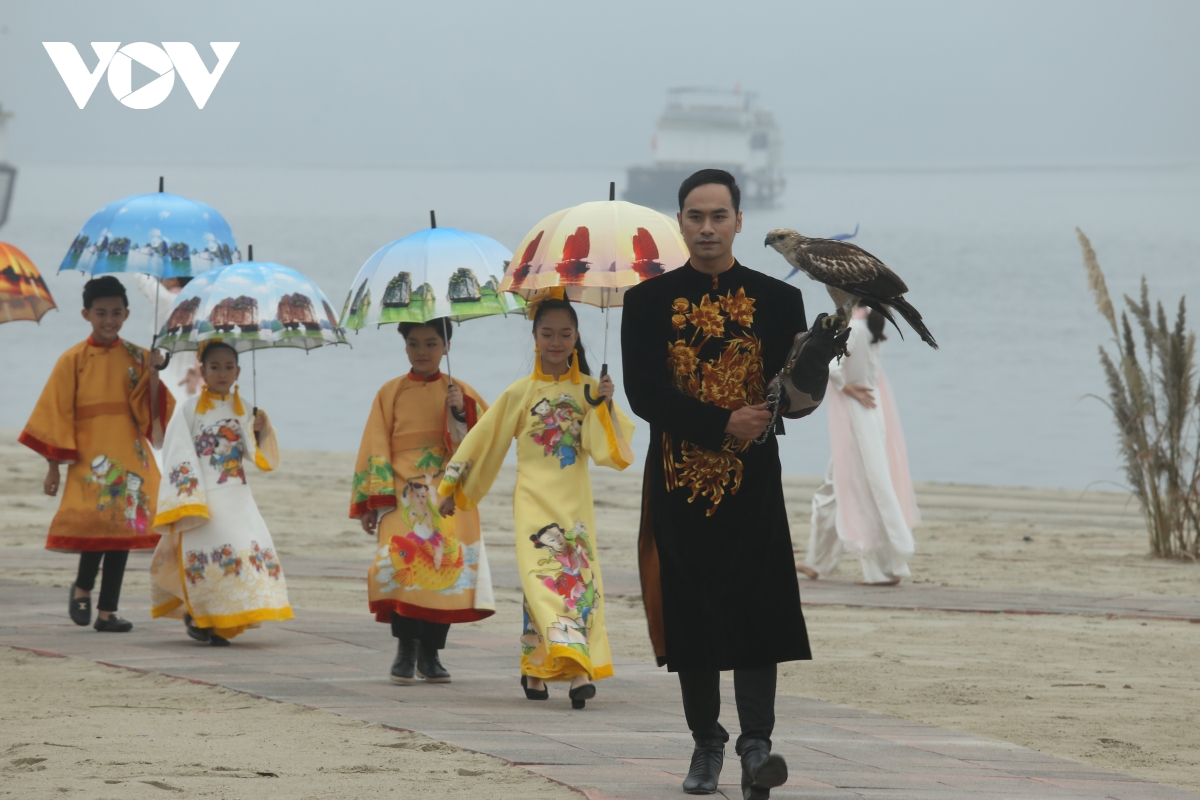 """Ao Dai Festival themed """"Quang Ninh 2020: Heritage Land"""" held to promote tourism"""