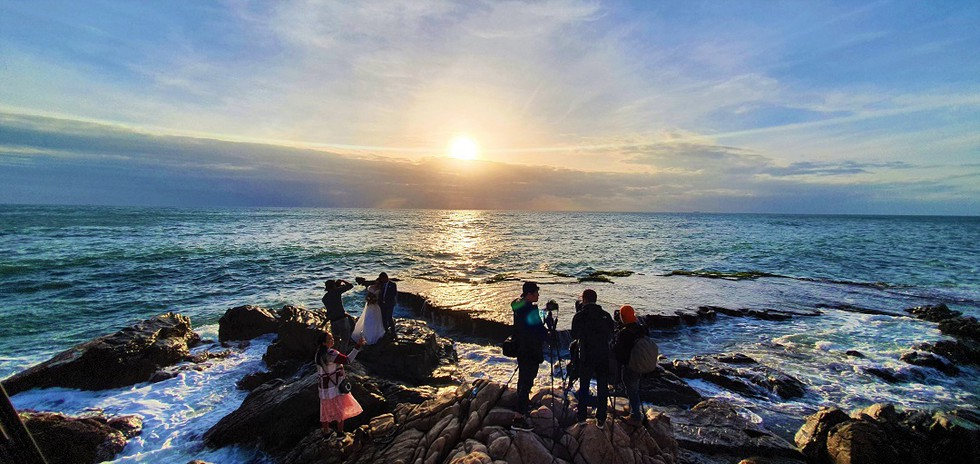 rai cave and vinh hy bay ideal destinations to spend new year holiday