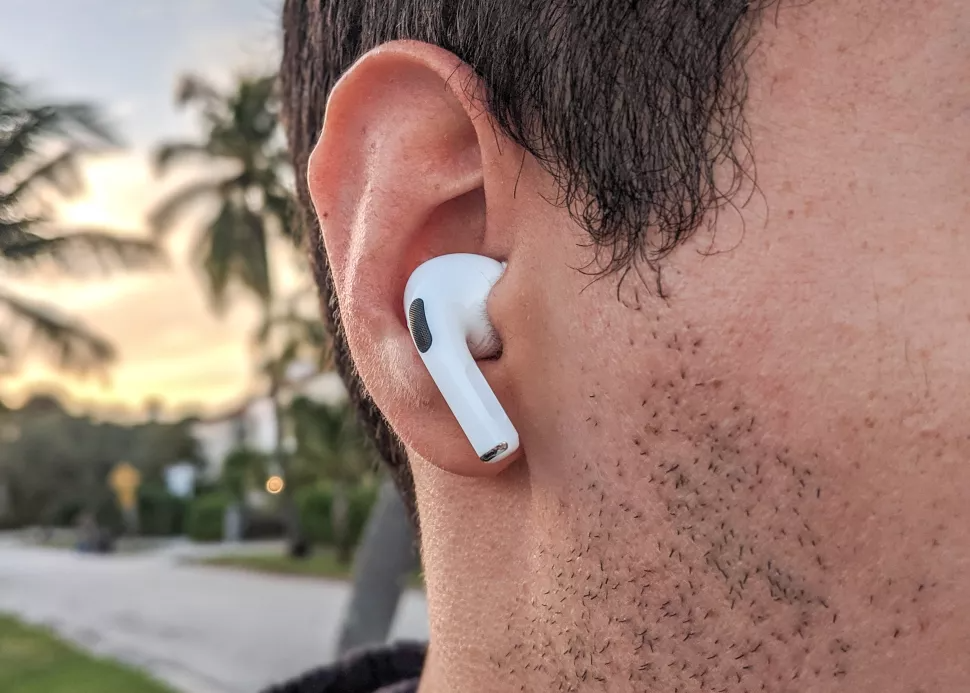 What to expect: IPhone SE 2021, AirPods Pro 2 arriving early in April