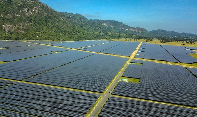 $261 million solar power plant brought into operation in Vietnam's Western