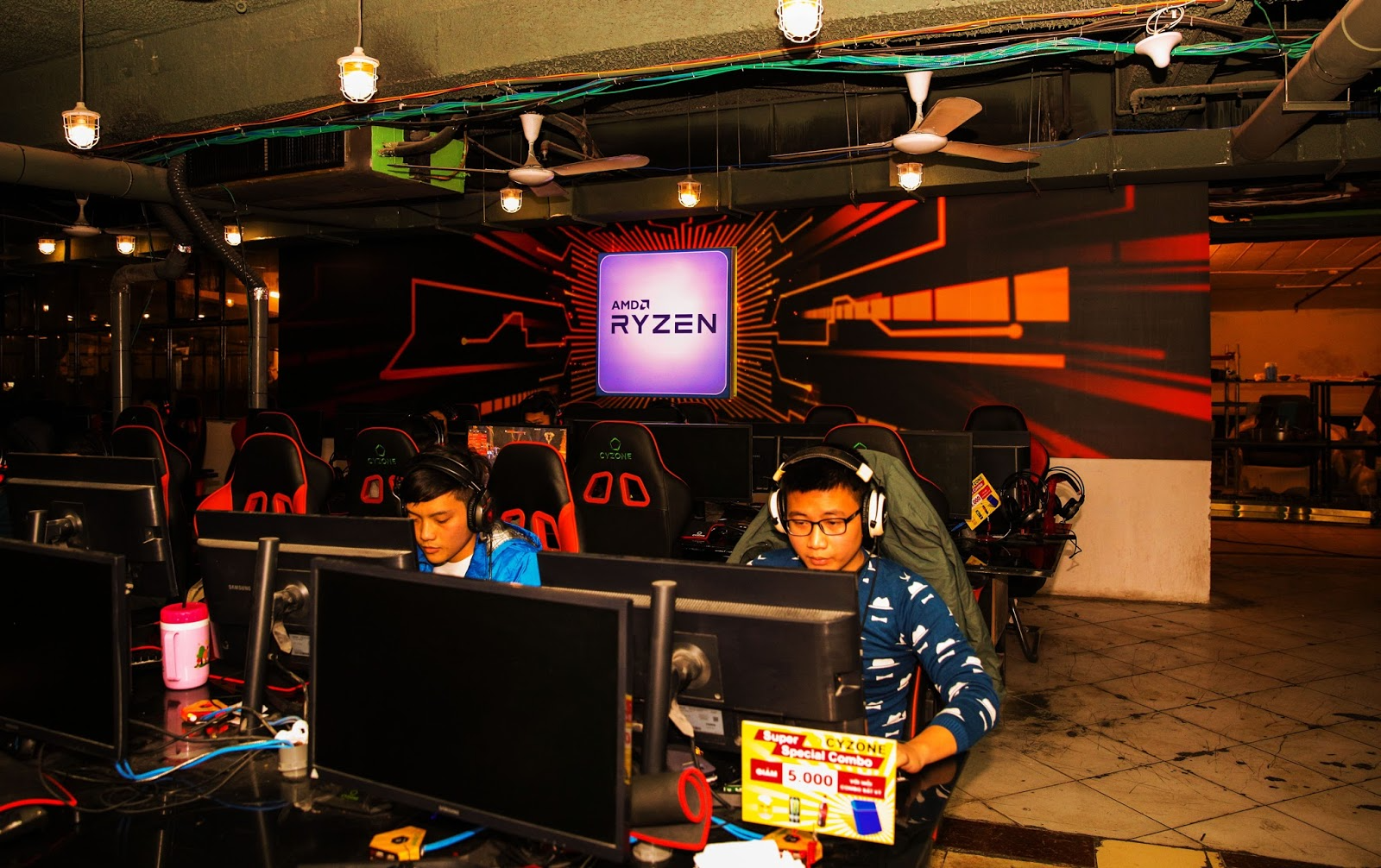 Hanoi closes all game and internet cafés as of February 2 over Covid-19 concerns