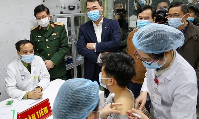 Hanoi proposes to buy 15 million doses of Covid-19 vaccine for the locals