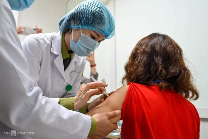 people involved in anti pandemic mission are a priority for covid 19 vaccination
