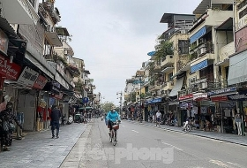 fears over covid 19 leaving hanoi streets desolated