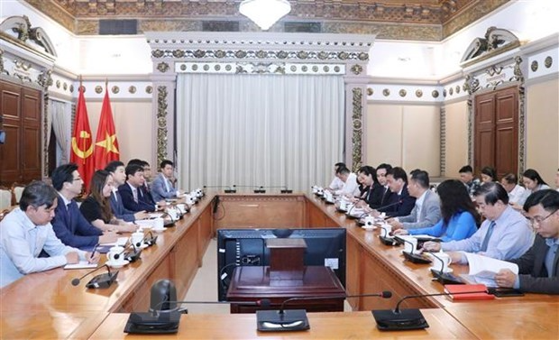 HCM City, RoK firm foster cooperation in smart urban building | Business | Vietnam+ (VietnamPlus)