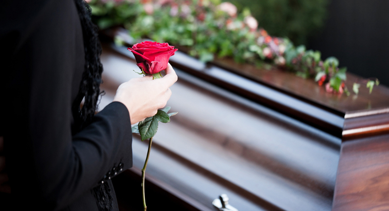 vietnamese woman fakes her own funeral to hide debt