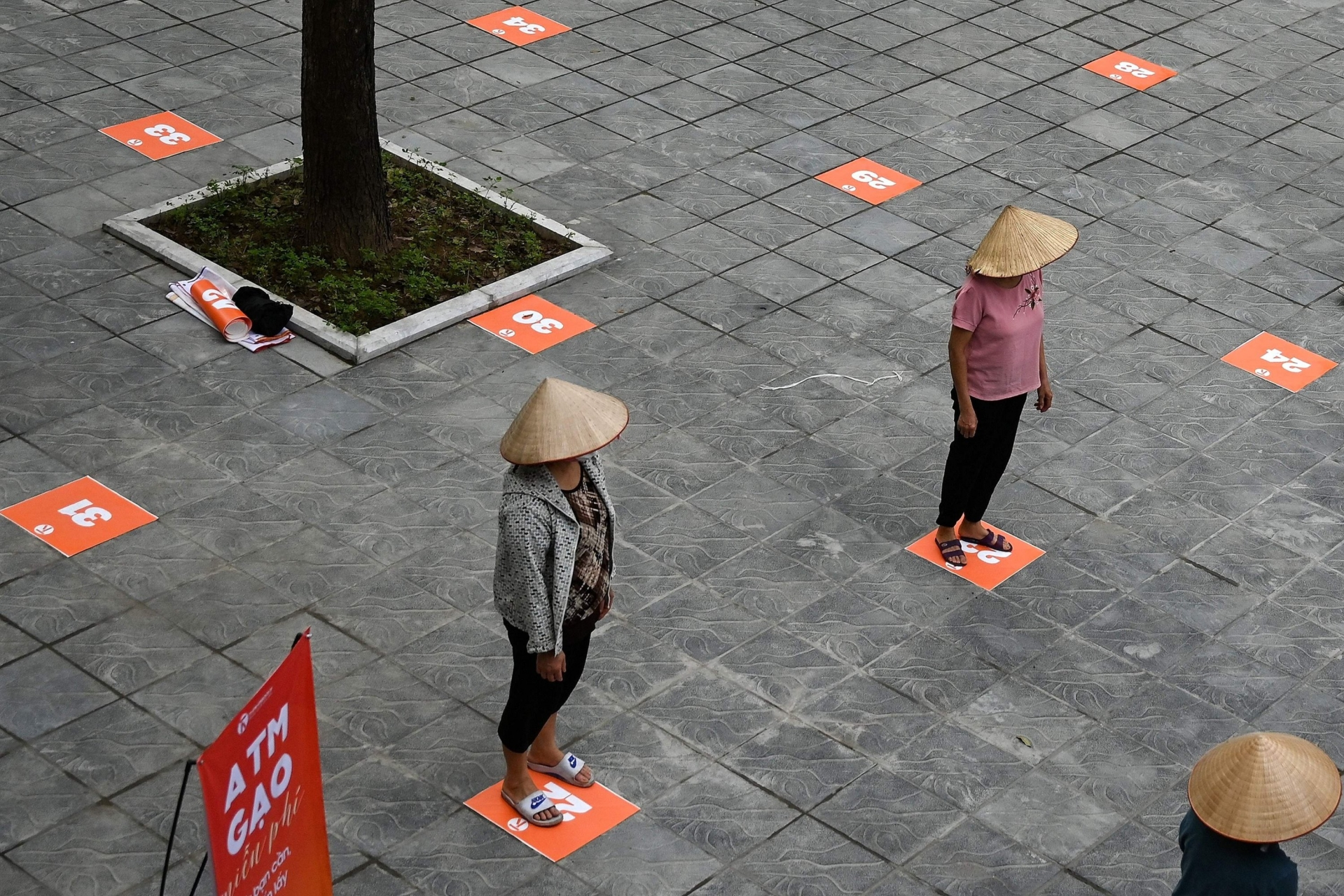 Vietnam sets to decide whether to extend social distancing order on April 15