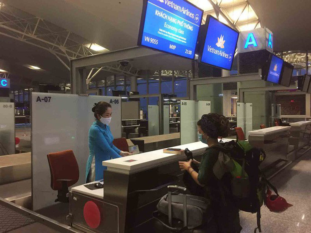 only 11 foreigners stranded by covid 19 want to leave vietnam