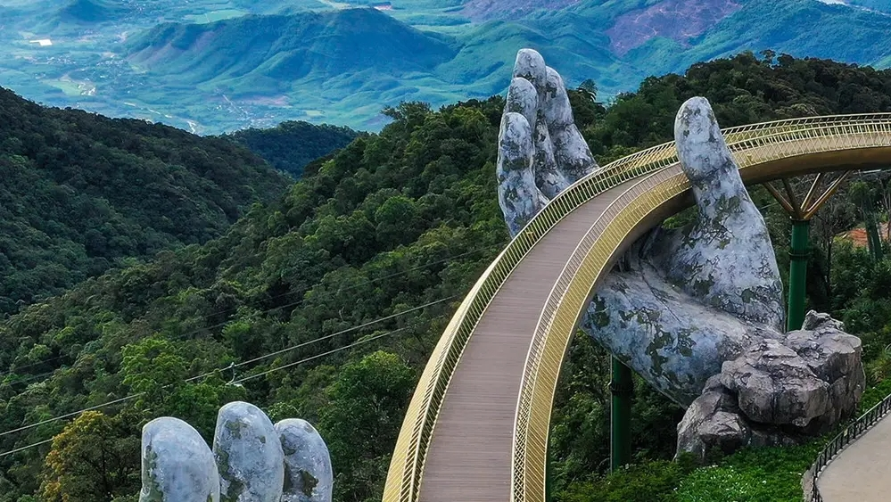 picture of vietnams golden bridge wins worlds best photo of architecture 2020