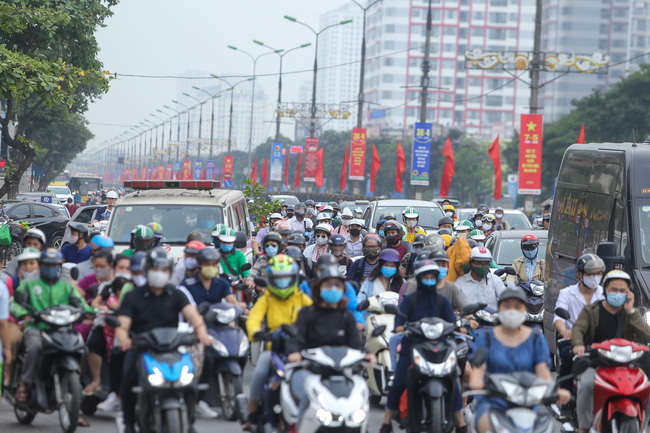 vietnam news today vietnam tests covid 19 vaccine on mice streets blocked as people return to work