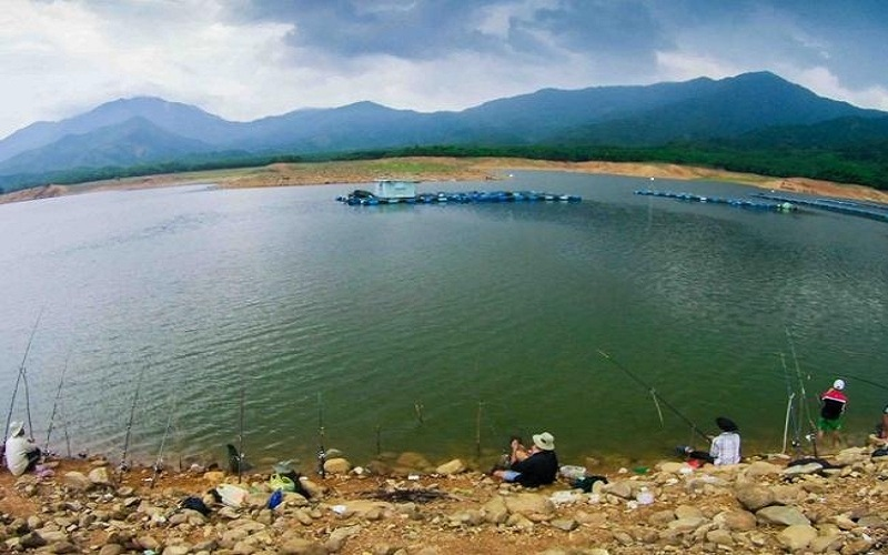hoc khe lake the alluring ravine in the central coast of vietnam