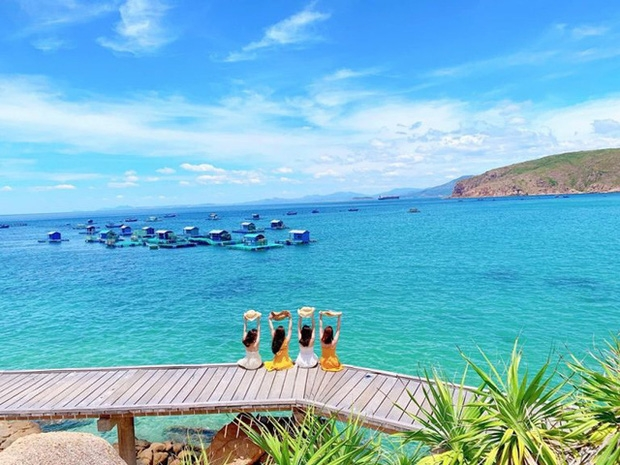 vietnam consider opening up select islands to foreign tourists