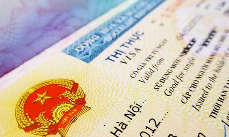 Covid-19 stranded foreigners in Vietnam have visas extended automatically until June 30