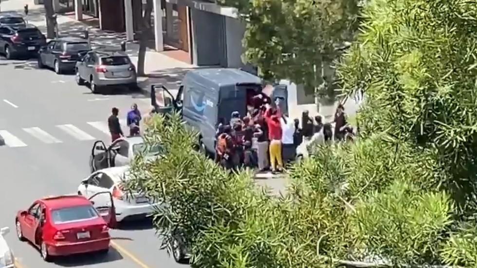 santa monica struggling to stop looting spree extend curfew through monday morning