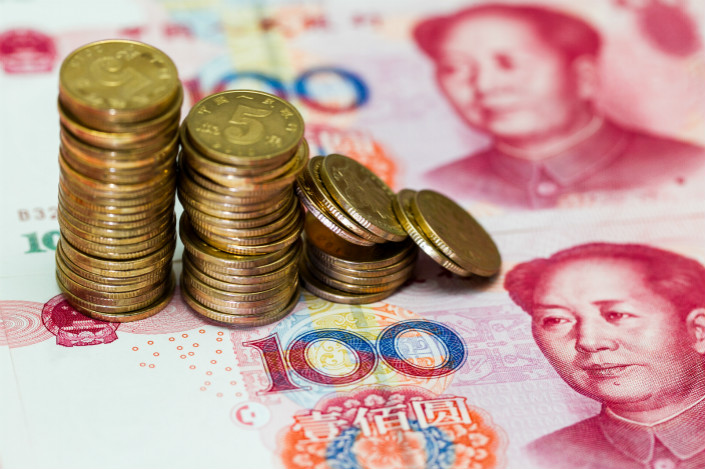chinas rich finds way to leak cash abroad as yuan weakens