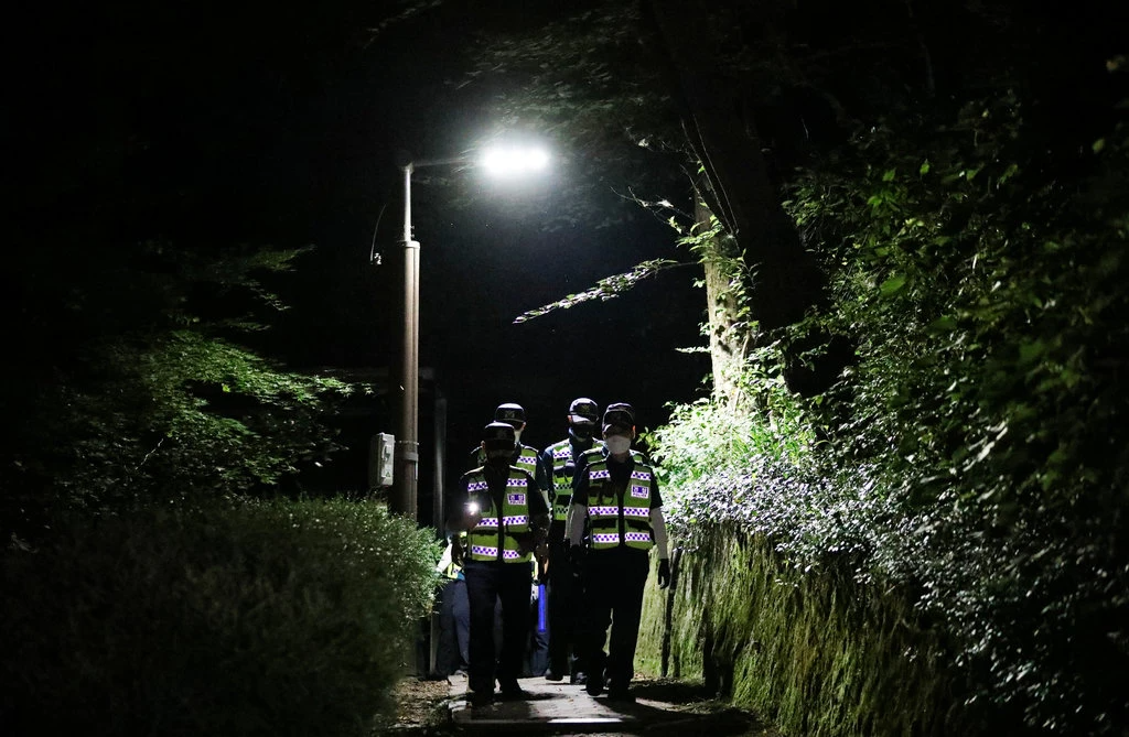 seoul mayors body found on a hill after report of sexual harassment