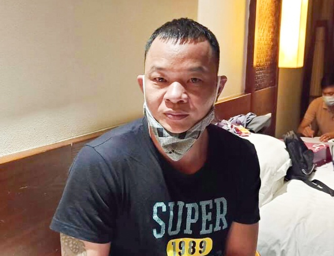 a chinese arrested allegedly for bringing foreigners to vietnam illegally