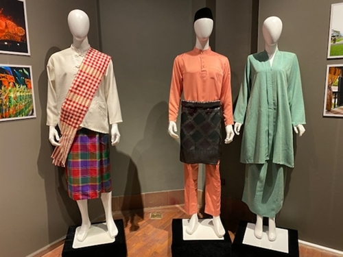 asean traditional costumes exhibition launched in hanoi