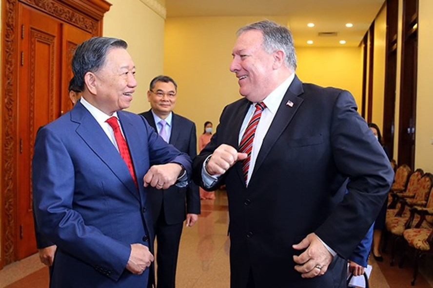 The US assists US$2 million to Vietnam to overcome natural disaster consequences