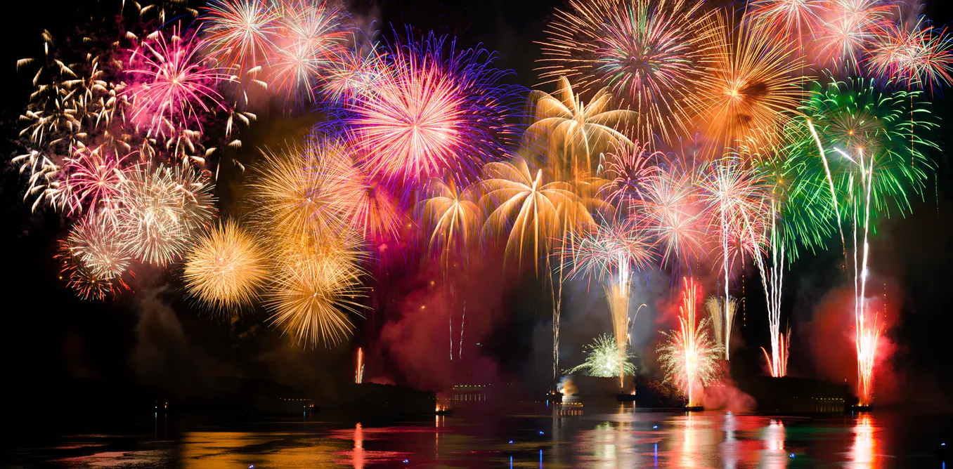 Vietnamese citizens allowed to let off fireworks on holidays since January 2021