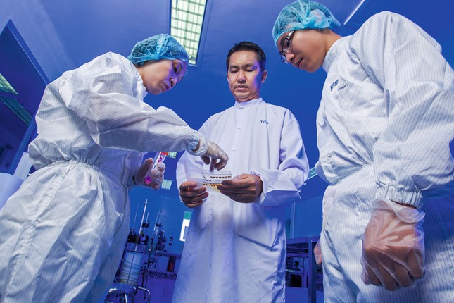 Made-in-Vietnam Covid-19 vaccine to begin trial on 20 people from Dec 10