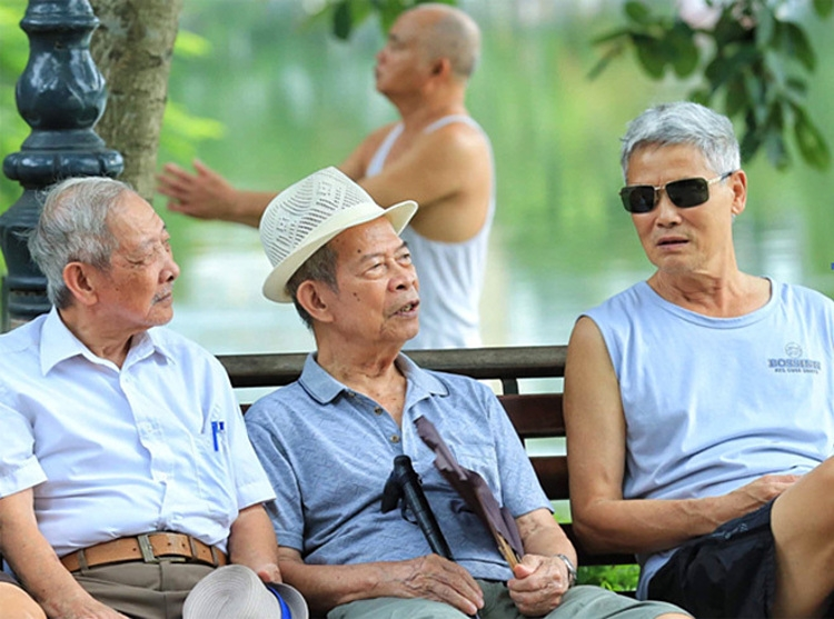 Survey: Vietnamese live longer, suffers more disease tho