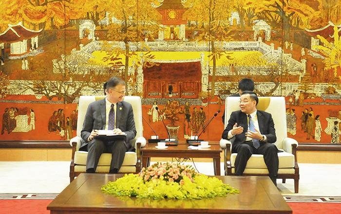 2546-us-ambassador-appreciates-hanoi-police-in-handling-foreigner-harrasment