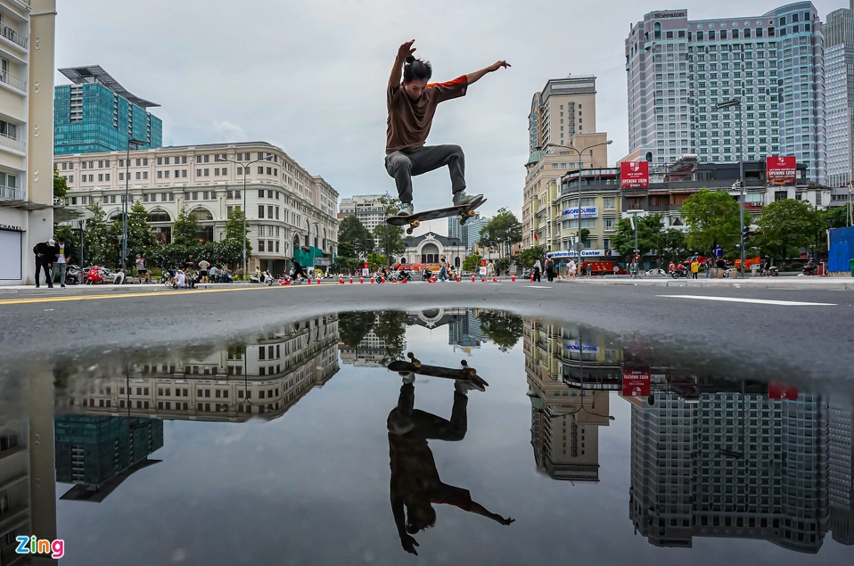 Le Loi Street emerges as new skateboarding ground for HCMC youth
