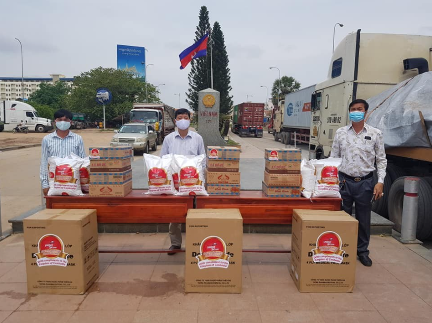 Vietnam Consulate General in Preah Sihanouk supports people in difficult circumstances