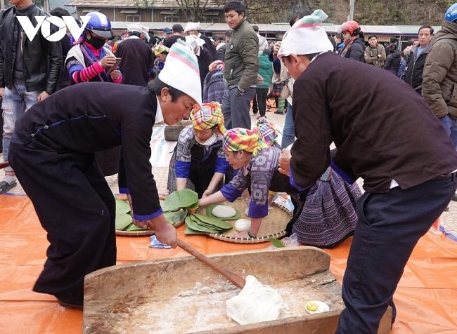 Unique Vietnamese glutinous rice dumpling making contest in northern Vietnam