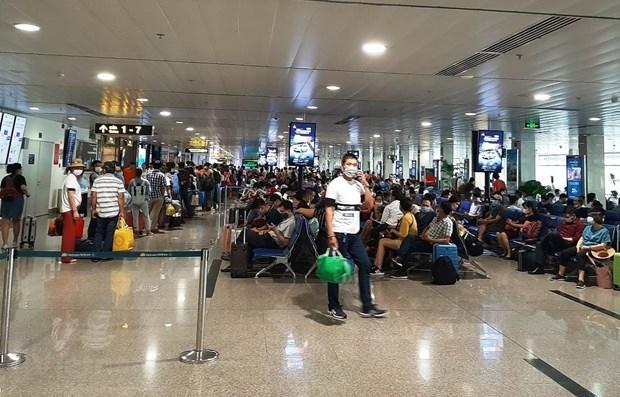 At Tan Son Nhat airport (Photo: VNA)