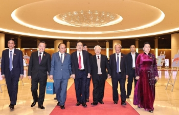 vietnam news today january 7 generations of legislators meet to mark 75 years of first na election
