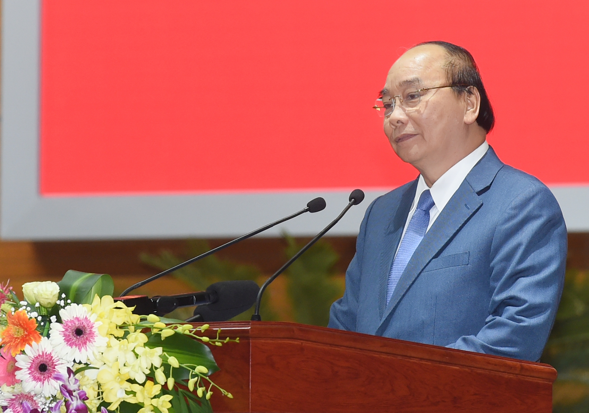 PM nguyen xuan phuc speaking at the meeting (photo: vtc)