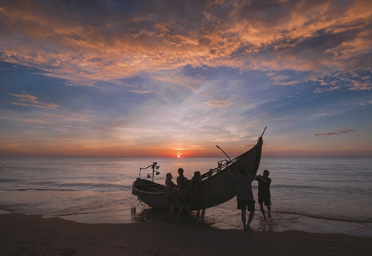 Tranquil dawn in Central Vietnam's coastal areas