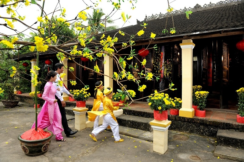 Many overseas Vietnamese head back to their motherland to enjoy Tet holiday. (Photo: Asiatica Travel)