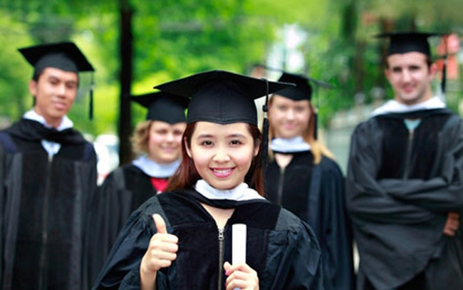 A large number of Vietnamese are living abroad for studying purpose (Photo: Vietnamnet)