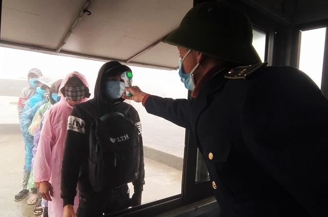 Thousands of overseas Vietnamese repatriate for early pre-Tet quarantine