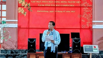 vietnamese community in cambodia get together to welcome lunar new year