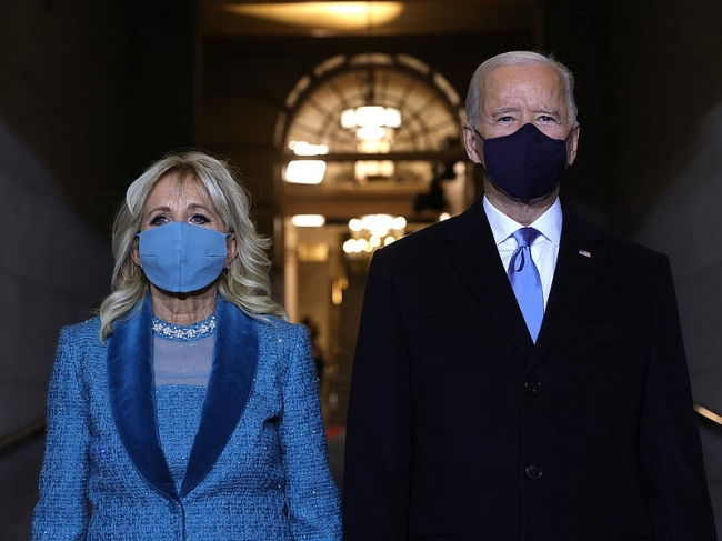 World breaking news today (January 21): Biden takes the oath of Office, with video