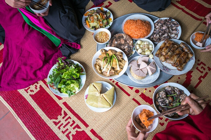 A typical New Year food tray of a northern family (Photo: VNE)