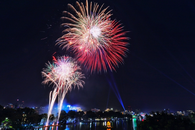 Firework display in Hanoi on January 1, 2021 (Photo: VNE)
