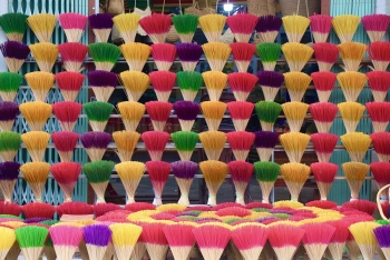 famous incense making village in hue turns colorful as tet nears