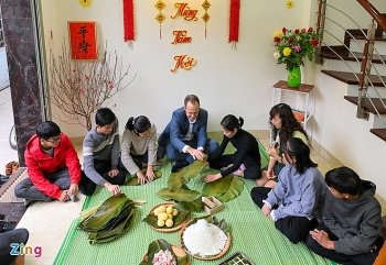 acting new zealand ambassadors first experience of making chung cake