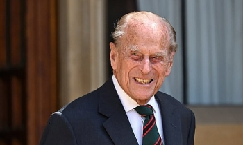 world breaking news today feb 18 prince philip admitted to hospital as precautionary measure