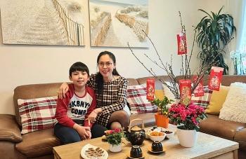 vietnamese germans slap up lunar new year meal